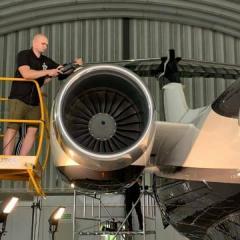 Zabezpieczenie samolotu powłoką ceramiczną